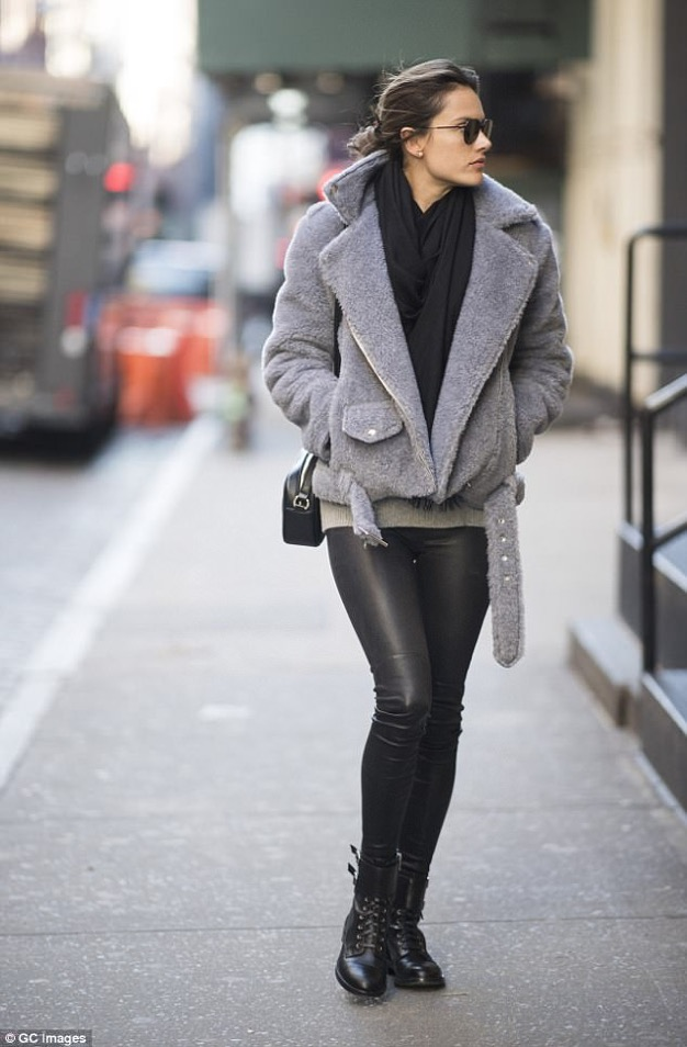 ALESSANDRA AMBROSIO_LAMARQUE KELLY STRETCH LEATHER LEGGINGS_FEBRUARY 2018_CG IMAGES_NYC_A